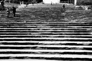 Фотография начала 20-х годов. Хорошо видно состояние прежних ступеней из песчаника Потёмкинской лестницы