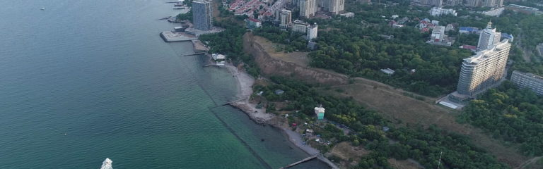 Самый красивый и пока ещё зелёный пляж Одессы передан в аренду решением горсовета