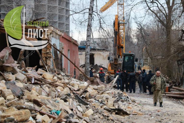 """""""Будова"""" выкидывает семьи военных на улицу."""